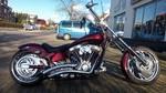 """American Ironhorse """"Slammer"""" mit 280er Breitreifen, Airride Fahrwerk, Motor mit Diamond-Cut"""