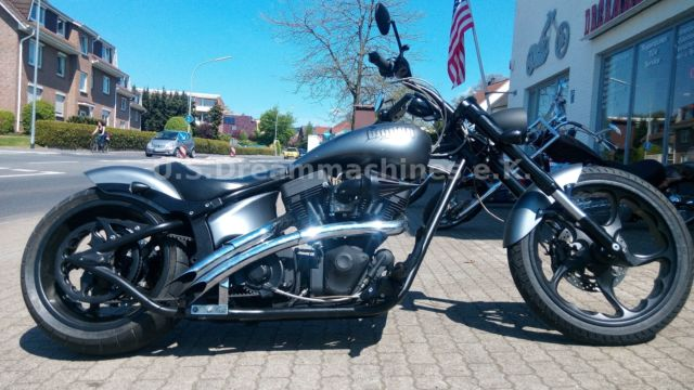 Big Dog Motorcycles Bulldog 260Breitumbau Softail no Harley 130PS2