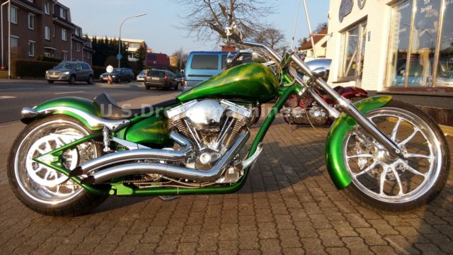 Big Dog Motorcycles Mastiff Softail 300er 130PS Chopper Custombike
